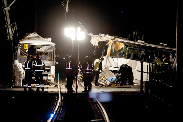 Francuska, sudar, autobus, voz, EPA -  ROBIN TOWNSEND
