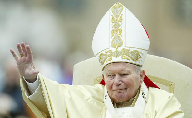 """Jak pisze AFP, wokół pomnika zostanie zorganizowana """"religijna przestrzeń skupienia i modlitwy poświęconej św. Janowi Pawłowi II"""". Jej inauguracja odbędzie się 16 czerwca w obecności delegacji z Polski."""