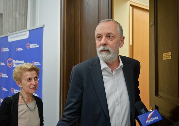 W ocenie Rafała Grupińskiego, żaden urzędnik nie ma prawa domagać się wyjaśnień od sądów w sprawie wyroków, które już zapadły