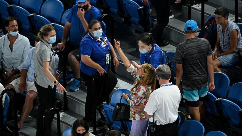 Kobieta wyrzucona z trybun na Australian Open. Pokazała Nadalowi środkowy palec