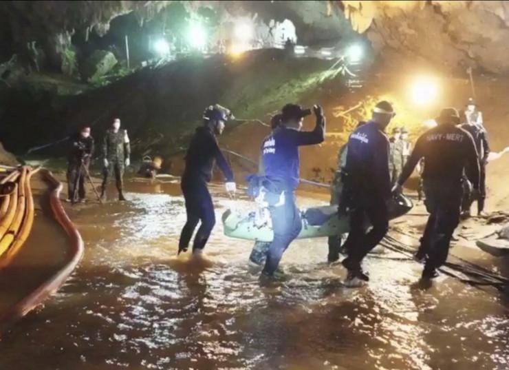 Tajland pećina