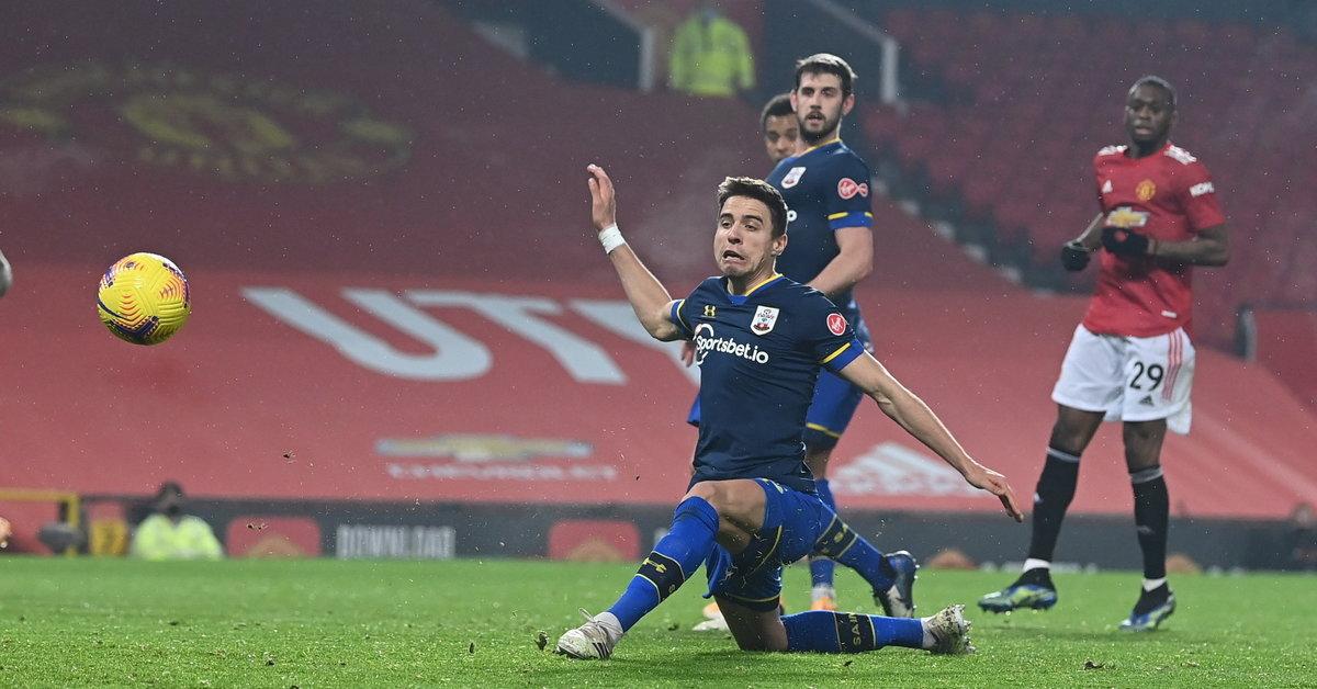 Premier League: Manchester United rozbił Southampton, nieudany mecz Bednarka - Sport