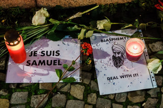 Morderca francuskiego nauczyciela kontaktował się z rosyjskojęzycznym dżihadystą w Syrii
