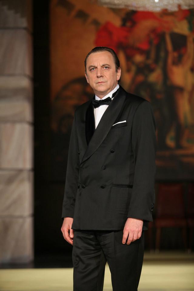 Tihomir Stanić umesto Trifunovića u ulozi Karenjina
