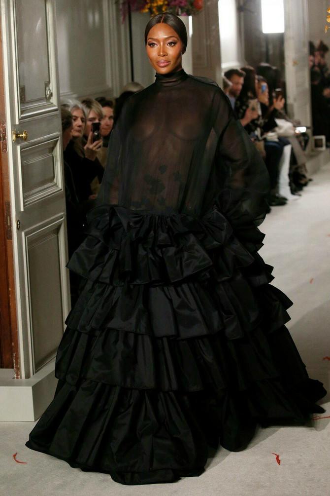Naomi Kembel vlada modnom pistom
