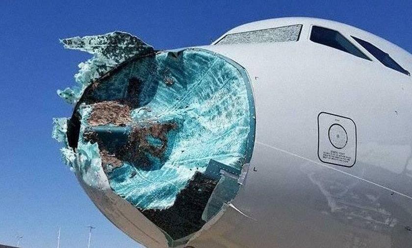 Samolot wleciał w środek burzy z gradem. Pasażerowie przerażeni