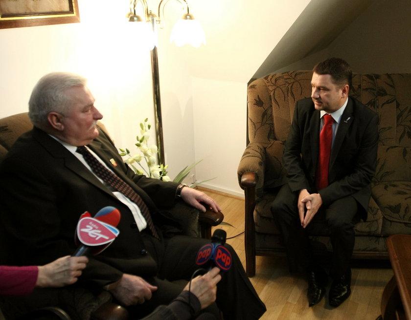 Lech Wałęsa przeprosił Piotra Dudę. Takiej reakcji się nie spodziewał!