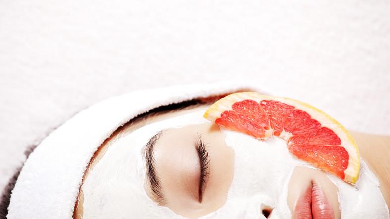 Grejpfrut to doskonały składnik kosmetyków!
