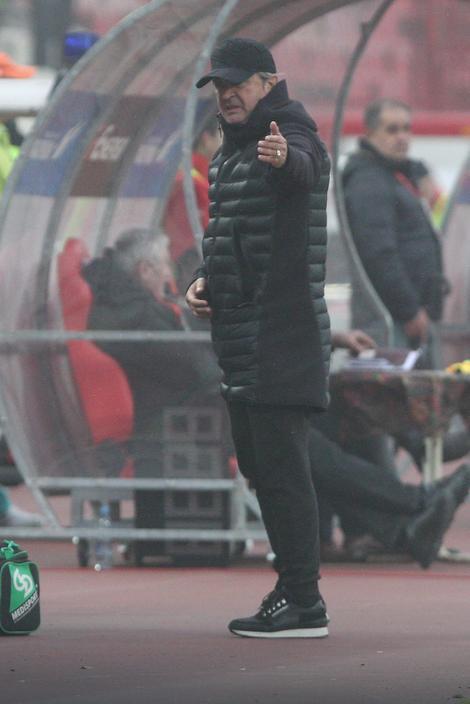 Trener Nebojša Vučićević