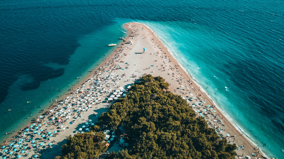 Według niektórych Złoty Róg to jedyna taka plaża na świecie. W dodatku znajduje się w Chorwacji