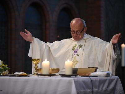 Księża rozliczają podatki ryczałtem, w zależności od wielkości parafii