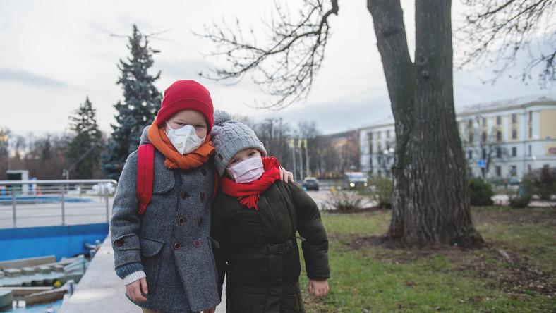 dzieci, zamknięta szkoła, przedszkole, żłobek, koronawirus, wirus, choroba, maski. / fot. Shutterstock