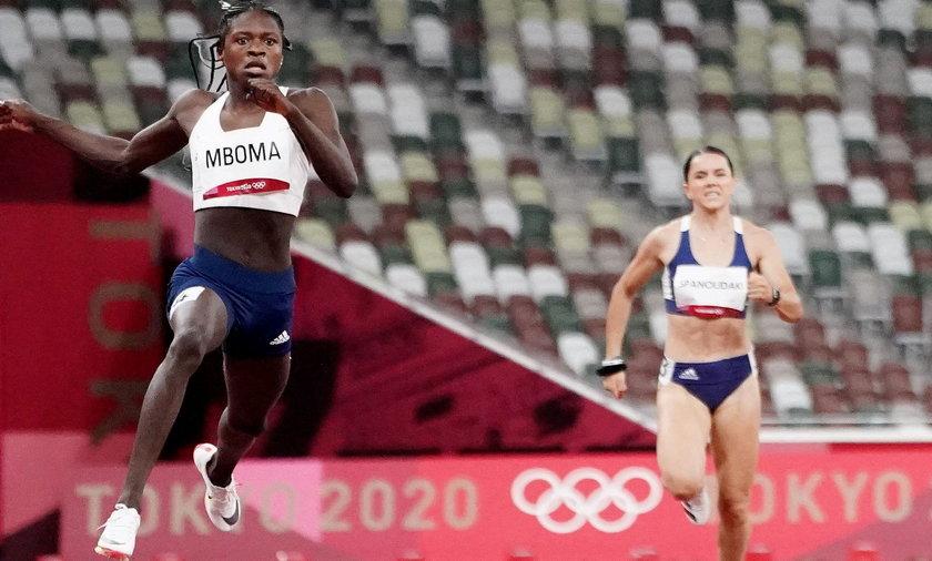 Athletics - Women's 200m - Round 1