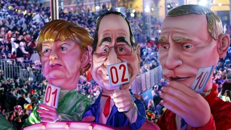 """Tegoroczna impreza nie obyła się bez odniesień do bieżącej sytuacji politycznej. Figury Angeli Merkel, Francoisa Hollande'a i Władimira Putina jako """"jury Eurowizji""""."""