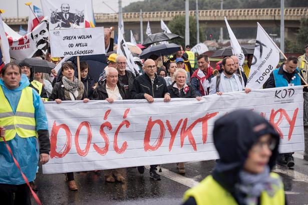 Przewodniczący Komitetu Obrony Demokracji Radomir Szumełda, PAP/Roman Jocher