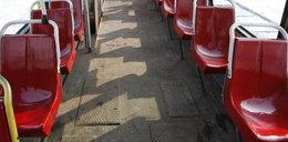 Istny koszmar! Szyna przebiła podłogę tramwaju i zraniła pasażera
