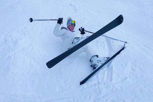 Doživela manju nezgodu na skijanju, a onda napravila JOŠ JEDAN NEPROMIŠLJEN POSTUPAK!