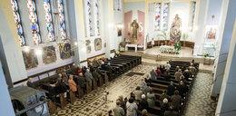 Zakażą polityki w kościołach?