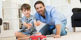 Ojcowie szczęśliwsi niż matki! Według naukowców czerpią więcej przyjemności z rodzicielstwa