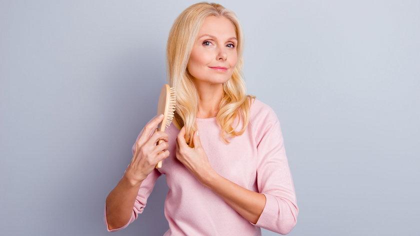 Sposoby na odmłodzenie włosów