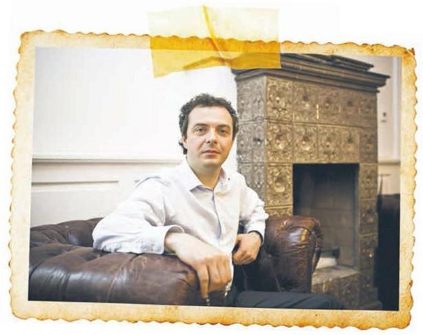 Andrzej Kawalec założyciel i prezes firmy Fenix Group, zajmującej się skupowaniem, renowacją i sprzedażą starych kamienic