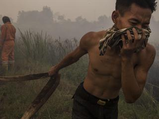 Firefighters Attempt To Extinguish Indonesia Forest Fires