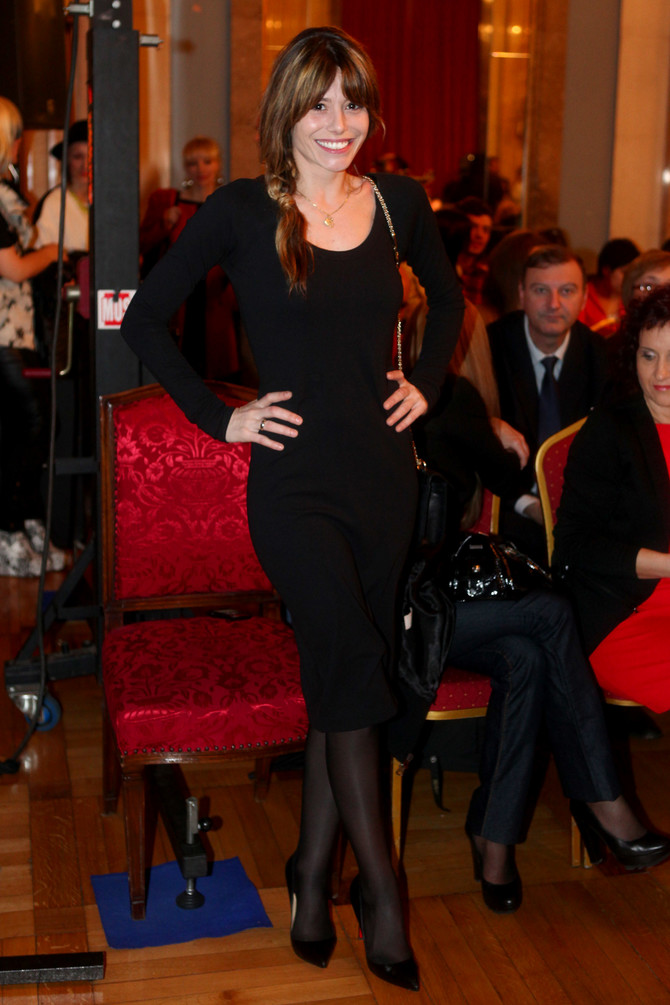 Ana kao brineta 2013. u Beogradu