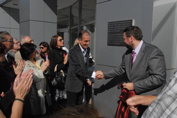 Spomen ploču Miladinu Zariću otkrio je njegov unuk Aleksandar Zarić