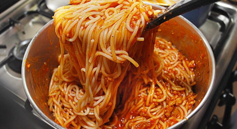 Making pasta(wikiHow)