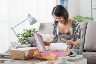 Unpacking, unboxing, opening, unwrapping - czyli jak zarobić na otwieraniu pudełek