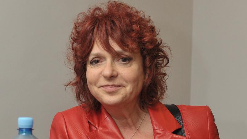 vörös haj tini videk
