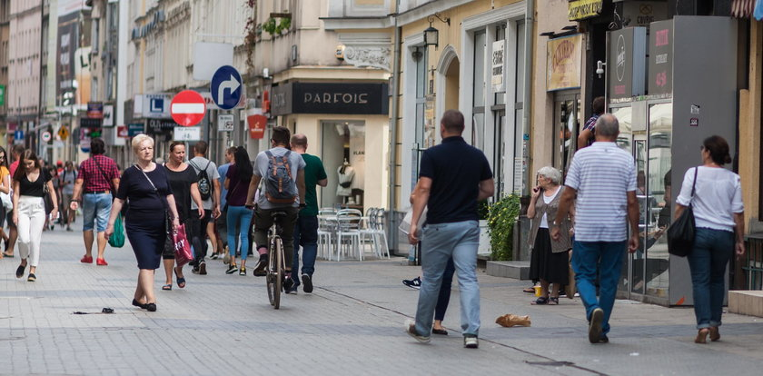 Zróbcie ścieżki rowerowe na deptaku