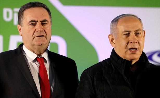 """Po wypowiedzi Katza premier Mateusz Morawiecki odwołał wyjazd polskiej delegacji na szczyt V4 do Izraela. Wyjaśnił, że podjął taką decyzję, ponieważ sformułowania, które padły z ust Katza, """"są absolutnie niedopuszczalne""""."""