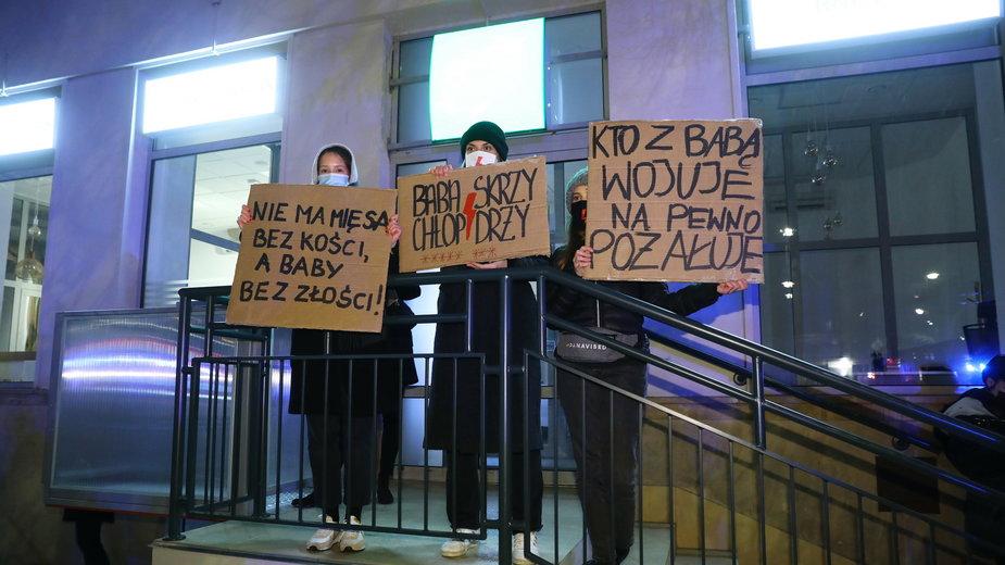 Warszawa. Uczestnicy protestu przeciwko zaostrzeniu prawa aborcyjnego