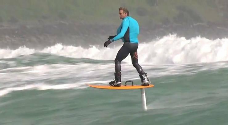 578786_surfer-foto-youtube