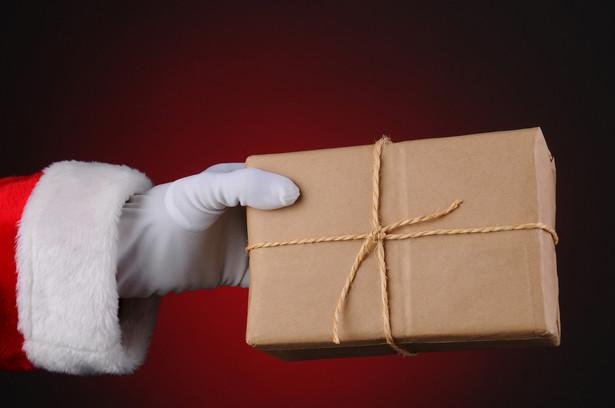 """Grudzień, a także ostatnie tygodnie listopada to dla firm kurierskich i operatorów pocztowych prawdziwe """"żniwa""""."""