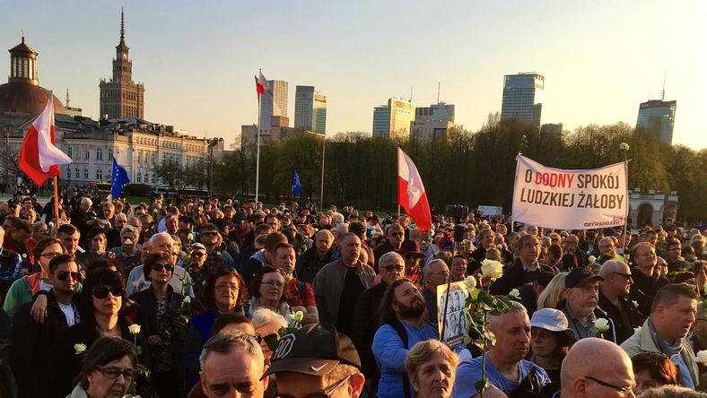 Manifestacja 10 kwietnia w Warszawie