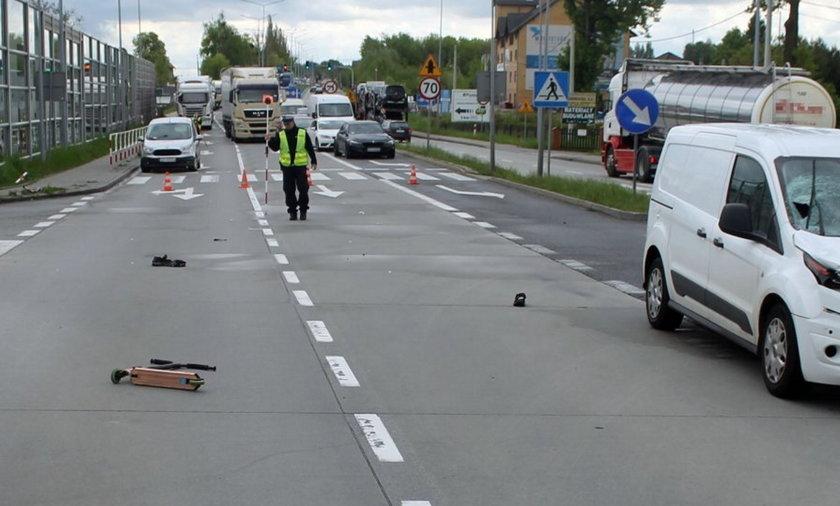 Przerażający wypadek na przejściu dla pieszych. 12-latek w ciężkim stanie