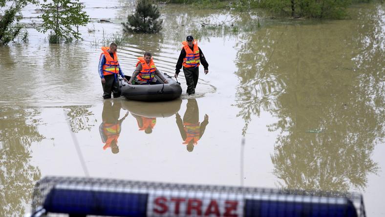 Wody przybywa. Wytrzymają zabezpieczenia w Warszawie?