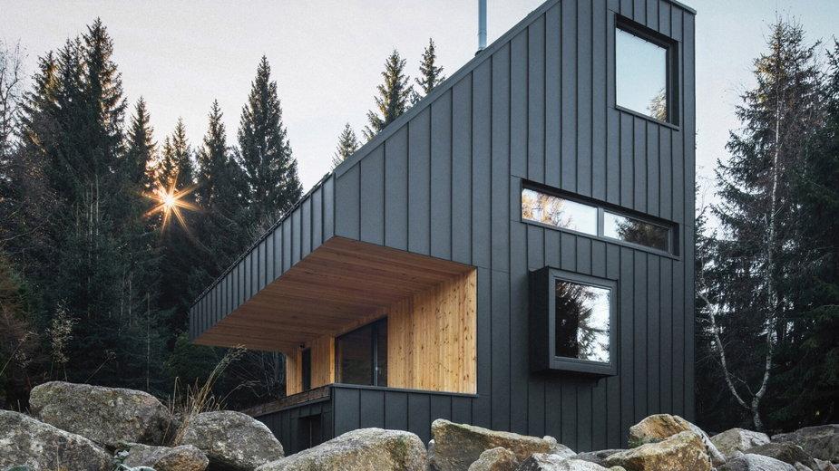 Rodzinny dom tuż przy granicy z Niemcami. Jest zaszyty wśród drzew