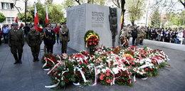 Takiej polityki chcemy w Polsce! Postawili rotmistrzowi pomnik