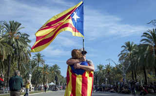 Madryt krytykuje Puigdemonta za próbę zadeklarowania niepodległości