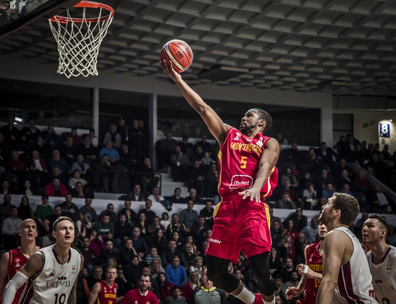 Košarkaška reprezentacija Crne Gore, Košarkaška reprezentacija Letonije