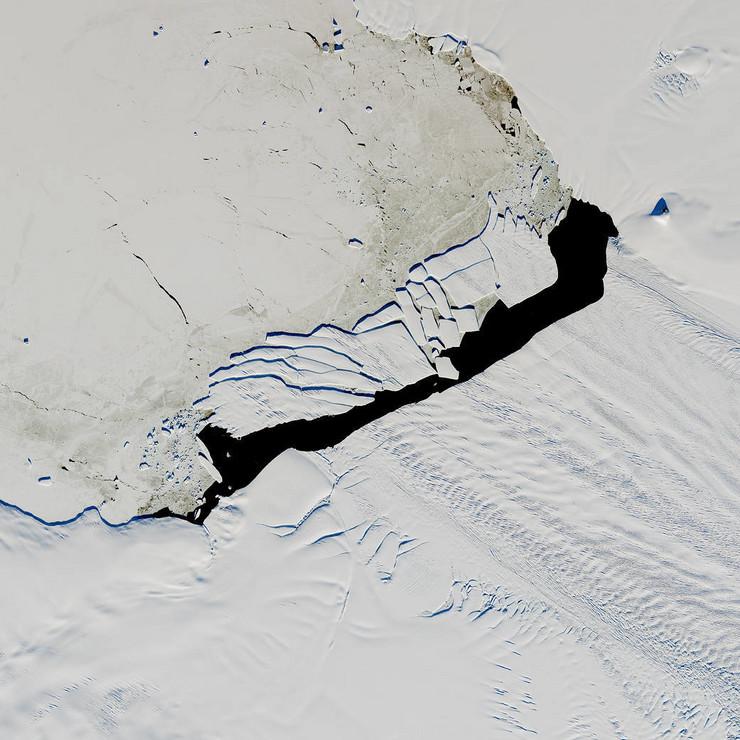 ledeni breg b-44 antarktik
