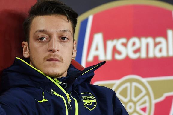 """""""VIKALI SU MI J*** SE TURSKA SVINJO"""" Mesut Ozil u brutalnoj ispovesti OTKRIO zašto nikad više neće igrati za Nemačku!"""