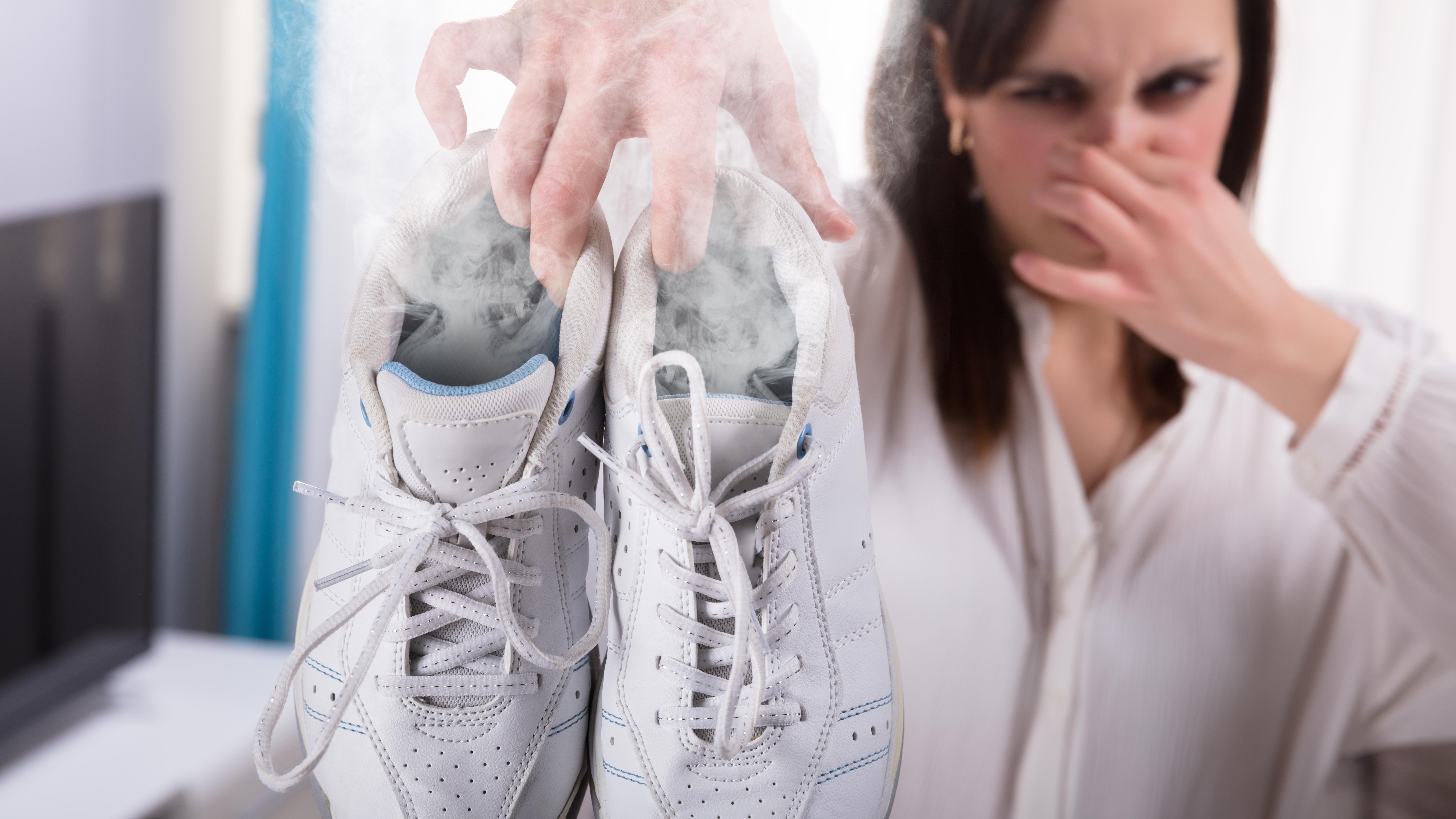 Smierdzace Buty Jak Pozbyc Sie Problemu Sprawdzone Sposoby Moda