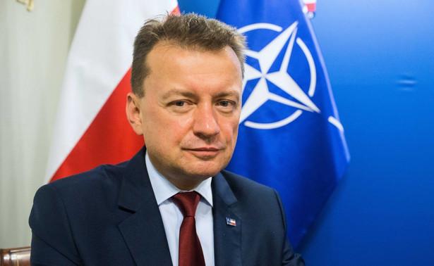 Dziś podpisaliśmy umowy z firmami PGZ_pl - Dezamet i Mesko na zakup 24.000 sztuk amunicji dla Krabów oraz 112,5 mln sztuk amunicji do broni ręcznej - 5,56 mm i 9 mm - poinformował szef MON Mariusz Błaszczak