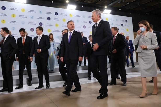 Prezydent Duda jest z wizytą na Ukrainie, gdzie bierze udział w Szczycie Platformy Krymskiej oraz obchodach Dnia Niepodległości Ukrainy