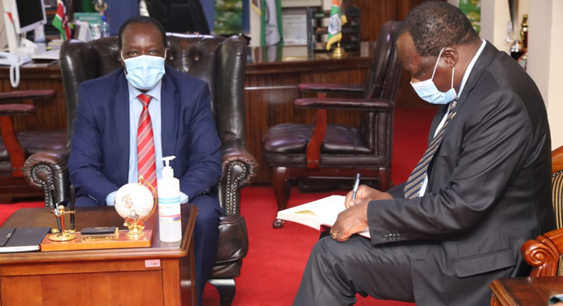 Kakamega Governor Wycliffe Oparanya accompanied by his Vihiga counterpart Wilberforce Otichilo