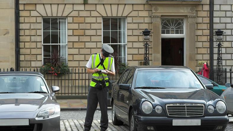 """Zablokowali samochód posłanki PO. """"Strażnicy miejscy musieli interweniować"""""""